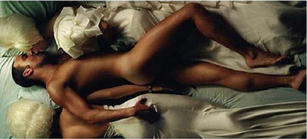 влюбленные голые фото